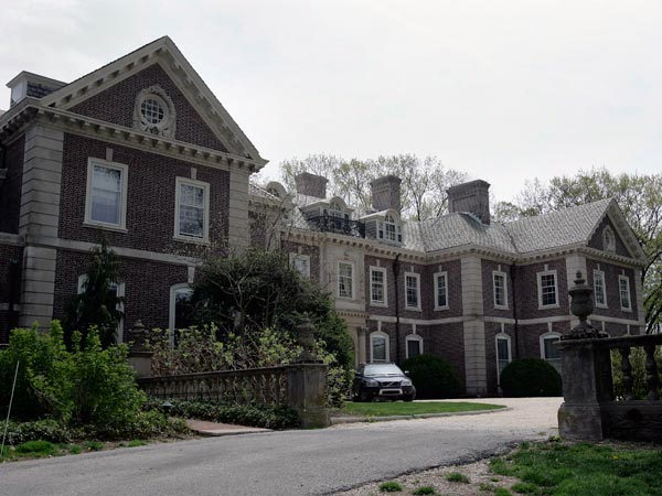"""The front of the main house on the Adrossan estate in Radnor Township. The fairytale estate of the fabled Main Line family that inspired """"The Philadelphia Story"""" is up for sale. Ardrossan, in Radnor Township, has housed the (banking, farming) Montgomerys and the (Pennsy Railroading) Scotts and their issue for nearly 100 years. While prize-winning cattle roamed the farm, Hope Montgomery Scott turned the 45-room manor house into the whirling hub of high society. (Michael Perez/Inquirer)"""