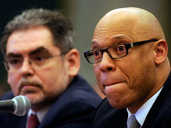 File photo: School Reform Commission Chairman Pedro Ramos (left) and School District superintendent William R. Hite Jr. (Tom Gralish/Staff)