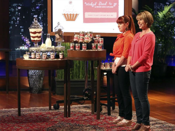 """Danielle Desroches and Tracey Noonan pitch the entrepreneurs on """"Shark Tank"""" on their cupcakes-in-a-jar business"""