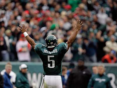 Donovan McNabb played his best game of the season Sunday against the Giants. ( David Maialetti / Staff Photographer )