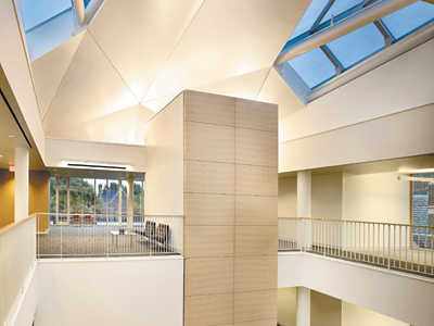 The interior of the center on the University of Pennsylvania campus offers wide-open views and an abundance of light. The skylit atrium at the building´s heart funnels light into every corner. (Barry Halkin)