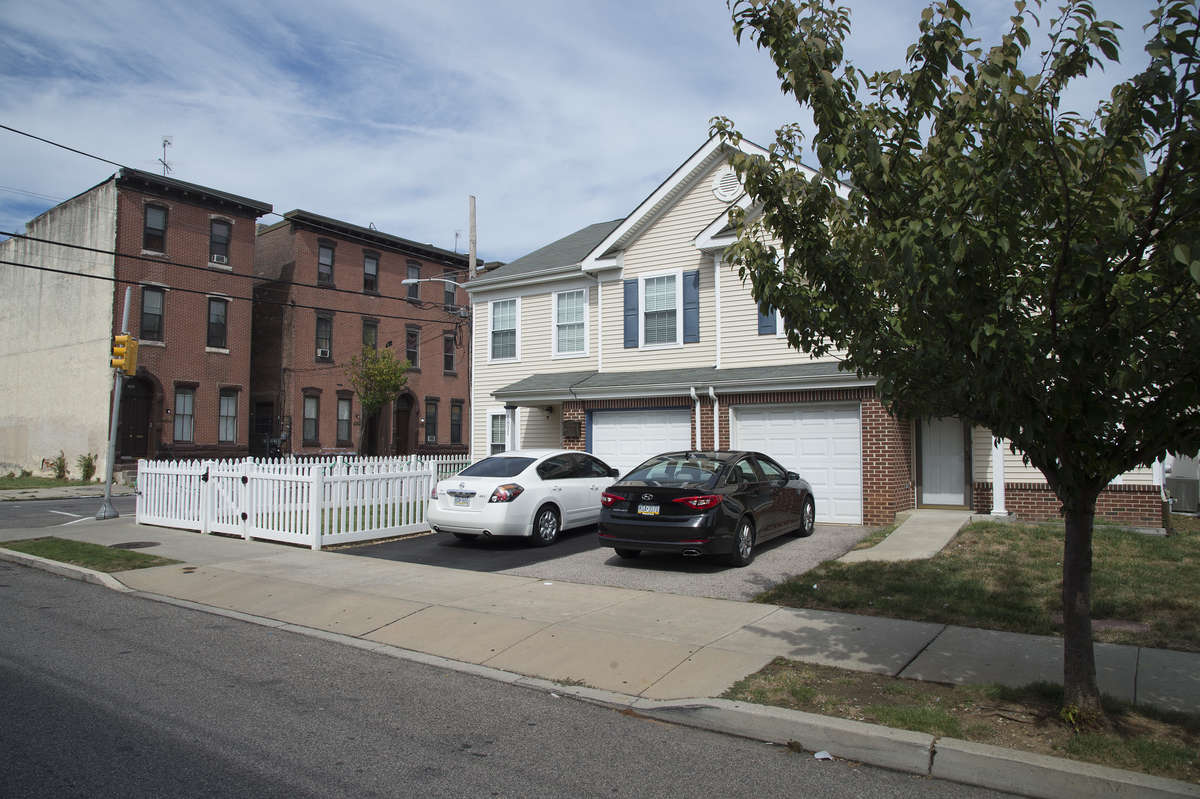 At the corner of Jefferson and 19th Streets is an example of the contrast between suburban style homes (on Jefferson) and traditional Philly rowhomes (on 19th). In the last two weeks, two prominent members of City Council (Clarke and Blackwell) have spoken out in favor a more suburban model of this city.