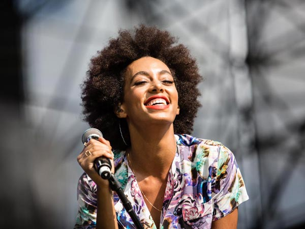 Solange performing at the Made in America Festival. (Colin Kerrigan / Philly.com)