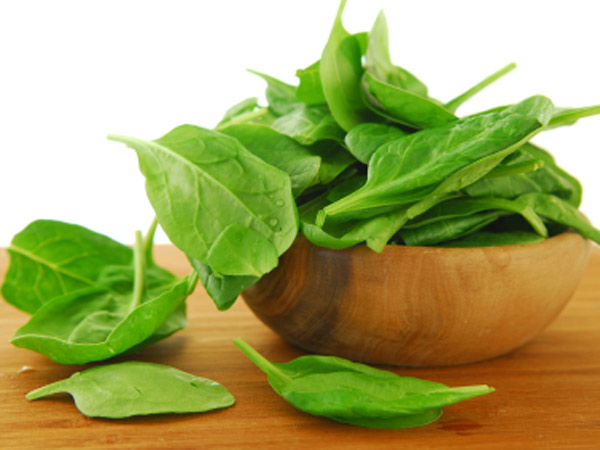 This week, try mixing up your meals with spinach, a springtime veggie that contains about twice as much fiber as other greens.