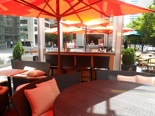 New lounge area at Table 31´s plaza in front of the Comcast Center.