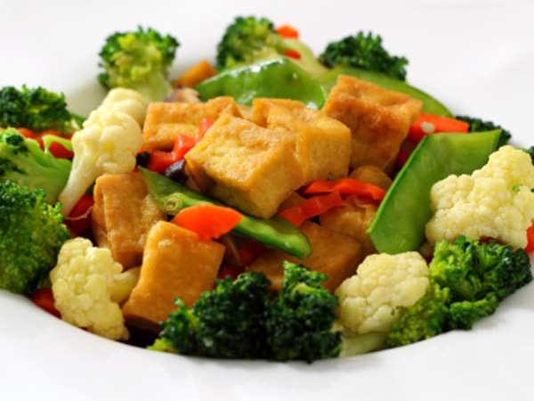 This low-cal stir fry combines tofu with garlic, scallions and soy sauce for a Chinese-style treat.