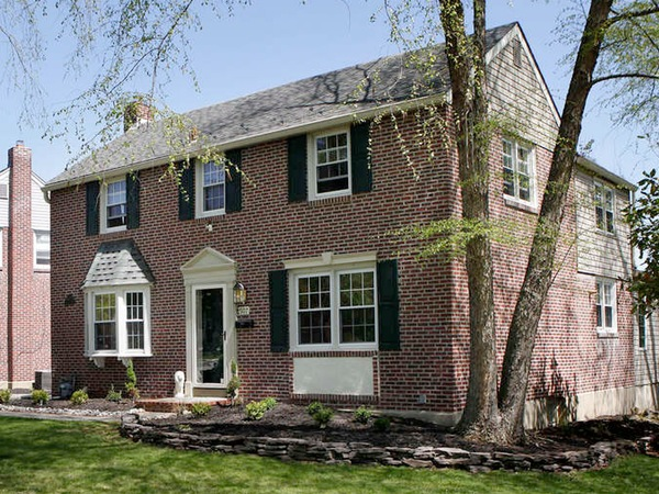 """Hawarden Road, Springfield (Delaware County), where many buyers """"grew up here, went away to college, and came back,"""" one agent says. (Michael S. Wirtz / Staff Photographer)"""