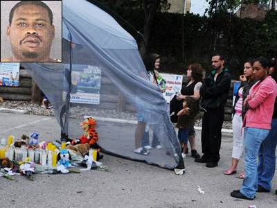 Friends and family gathered in the parking lot of O´Reilly´s Pub, where Ray Santiago was killed. Rival tow-truck operator Glen McDaniel (inset) is charged with murder.