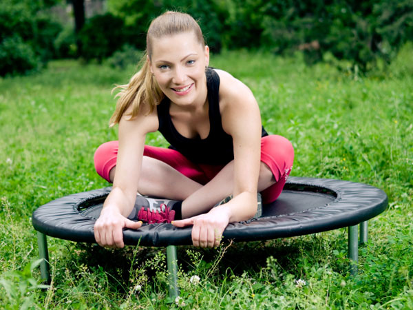 Mini trampolines, the go-to fitness tool for people seeking a joint-friendly cardio bounce, are also adding spring to the push-ups, planks and lunges of boot camp and interval workouts.