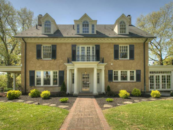 This Wyomissing home, where Taylor Swift lived until 2004, is on the market for $799,500.