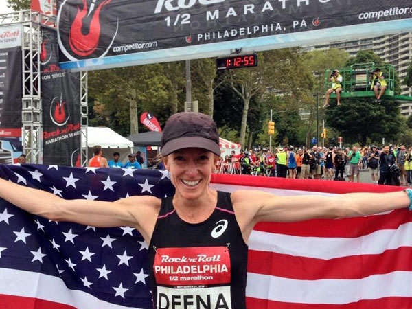 Deena Kastor set the World Record in the Women's Masters division for the half-marathon with a finishing time of 1:09:39.