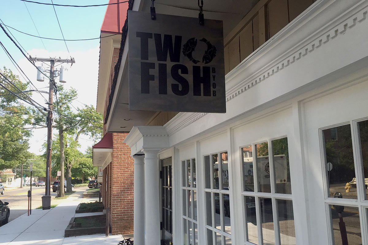Two fish chef mike stollenwerk has a new perch in for Two fish haddonfield
