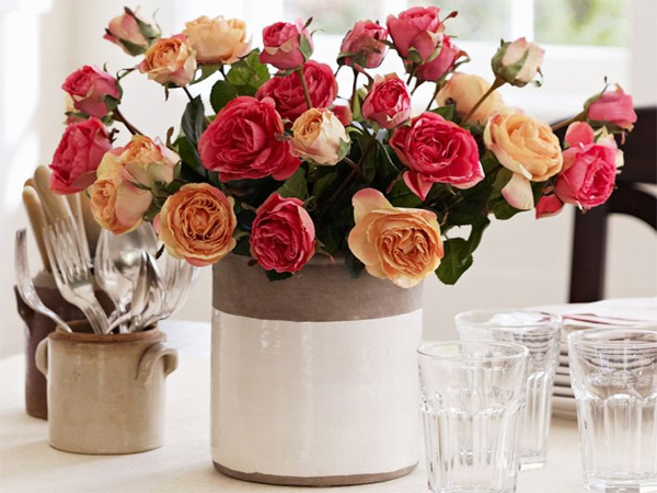 Romantic table settings to set the mood on Valentine's Day