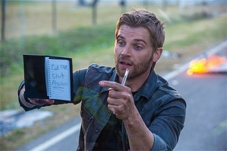 Abington´s Mike Vogel tries to get the word out