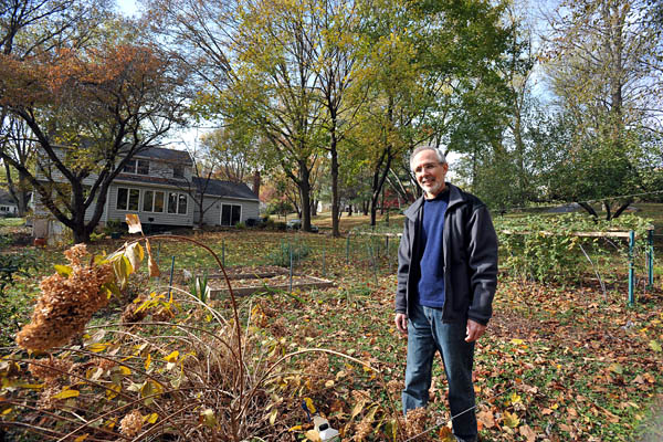 Tom Bare of West Chester uses various different methods to keep deer and other wildlife away from his garden,  ( Sharon Gekoski-Kimmel / Staff Photographer )