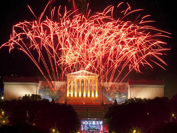 Welcome America fireworks explode over the Philadelphia Museum of Art on the Benjamin Franklin Parkway in Philadelphia on July 4th 2012. ( Ed Hille / Staff Photographer )