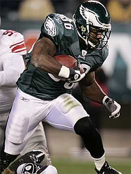 Brian Westbrook defended Andy Reid and Donovan McNabb during his weekly radio show. (AP)