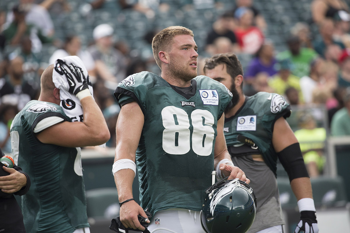 Ertz To Eagles Rookies Lay Off Low Hits