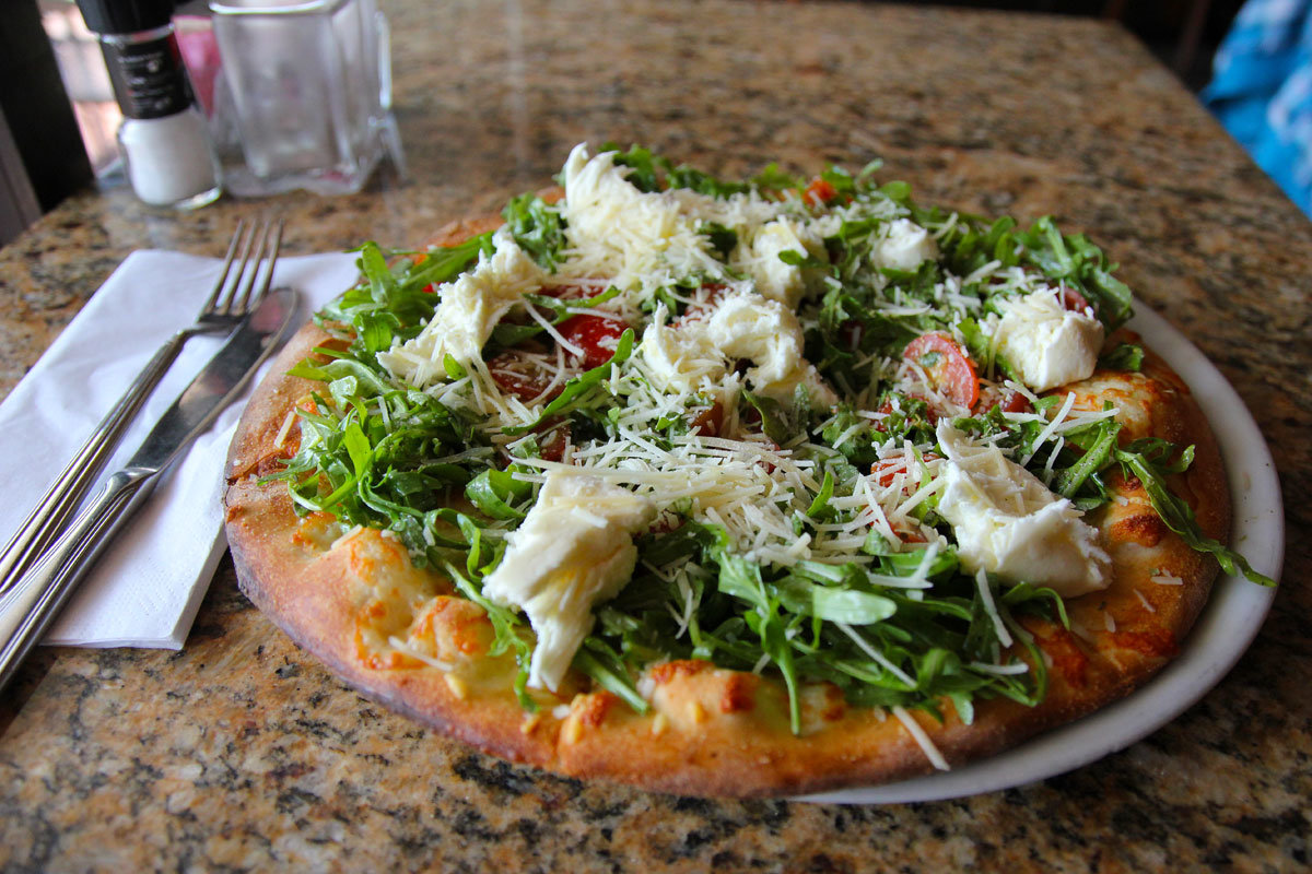 Arugula pizza at Arpeggio. (MICHAEL KLEIN / Staff)