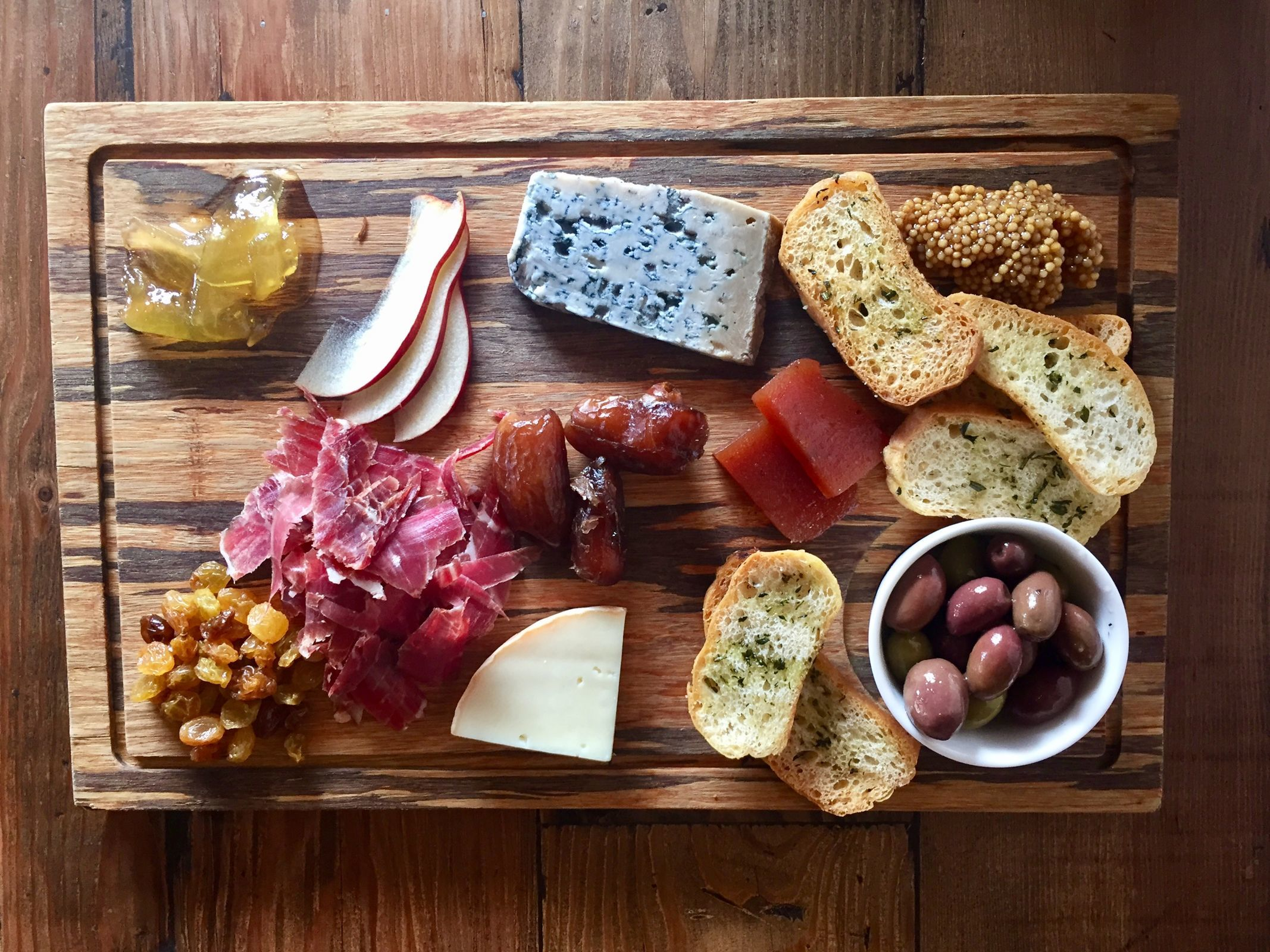 The Iberico ham and cheese platter from Cerdo in Conshohocken. (CRAIG LABAN / Staff)