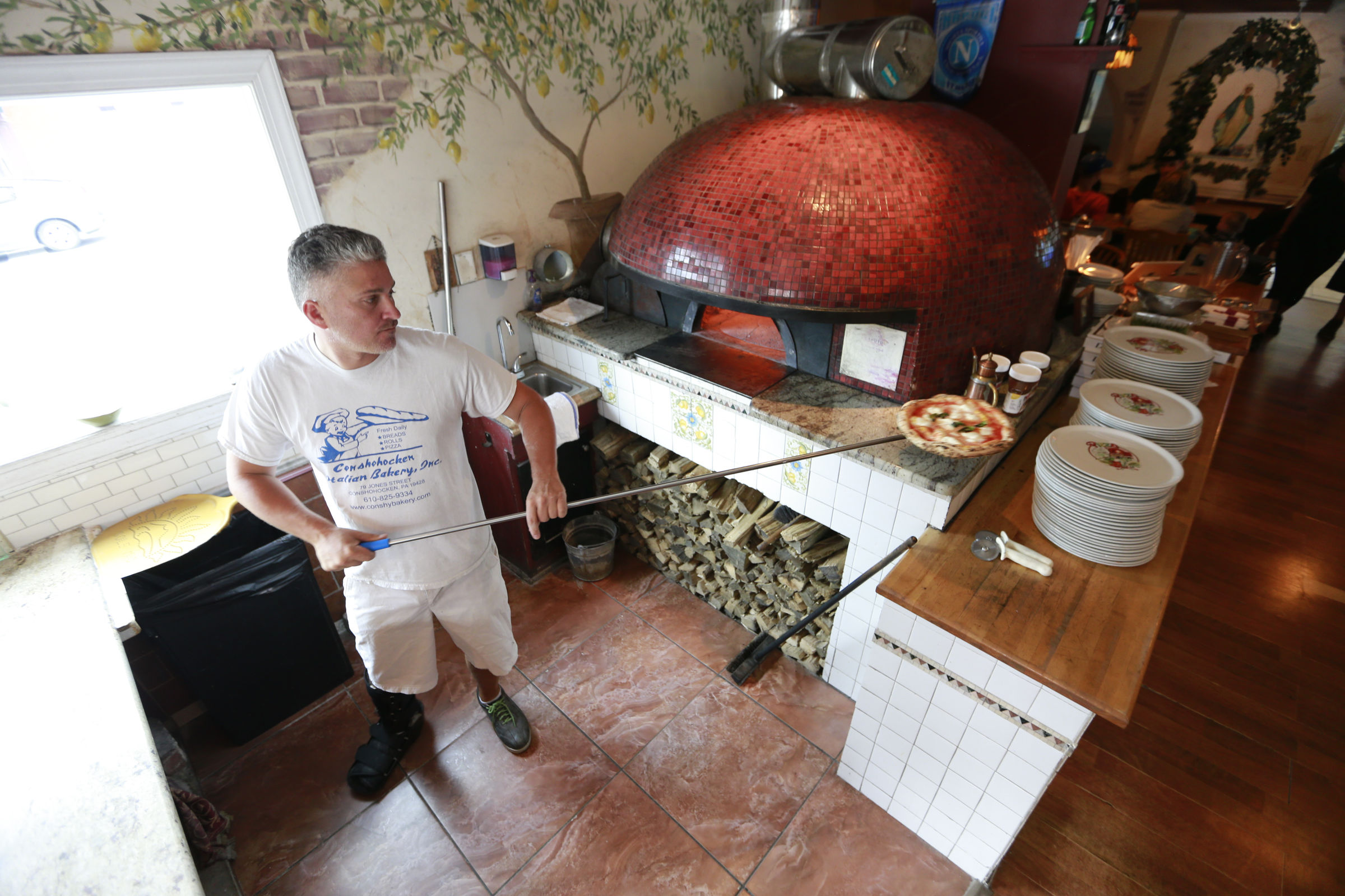 Frank Nattle makes one of the best Regina pizzas in the region at Vecchia in Phoenixville.