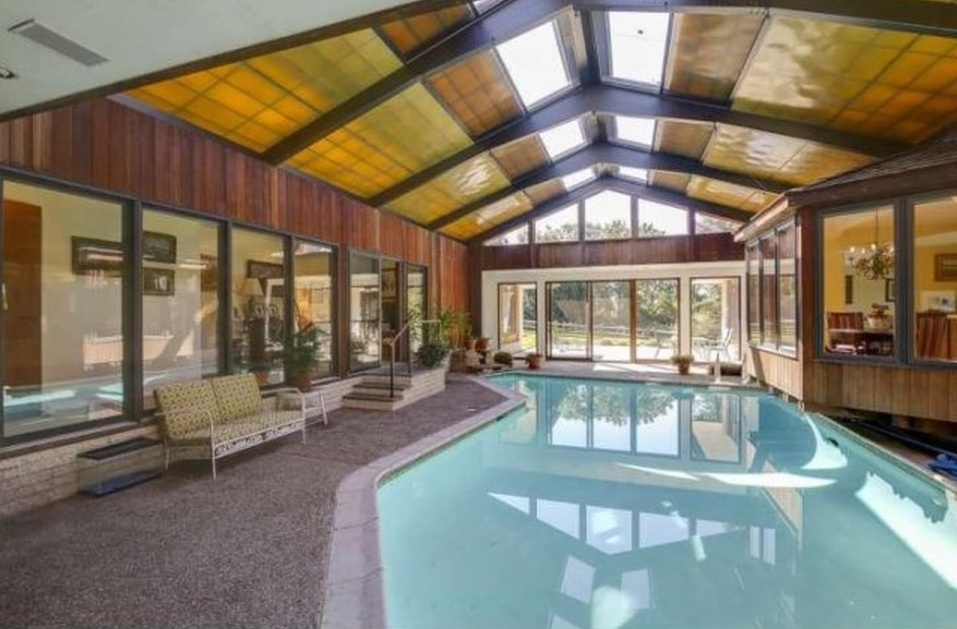 Beau 3 Homes With Pools That Don T Require A Heatwave Philly. Indoor Pool With Retractable  Roof
